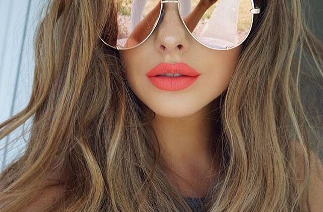 14 Cool way to style your sunglasses for girls