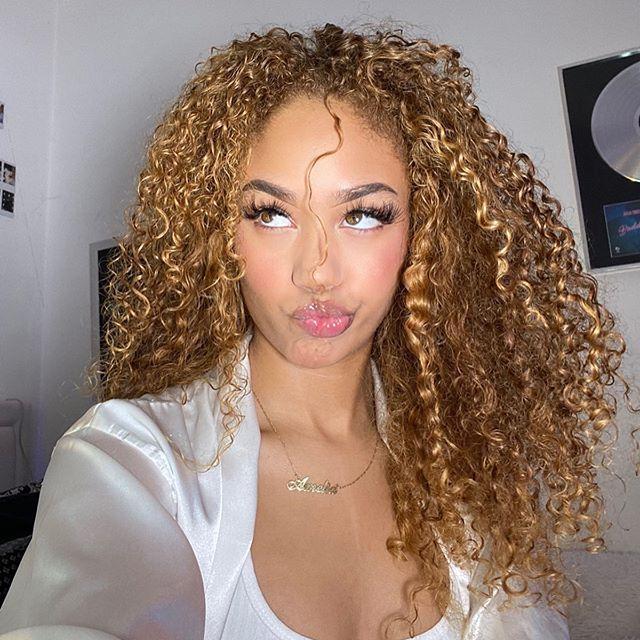 27 INTERESTING CURLY HAIR PHOTOS